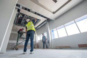 Comment rénover sa maison avec un plafond tendu ?